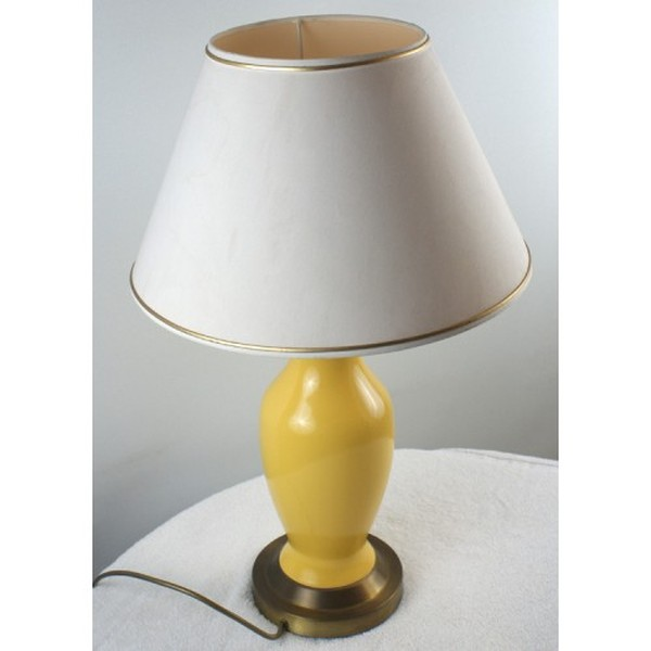 60x High Quality Yellow and Gilt Table Lamps and Shades