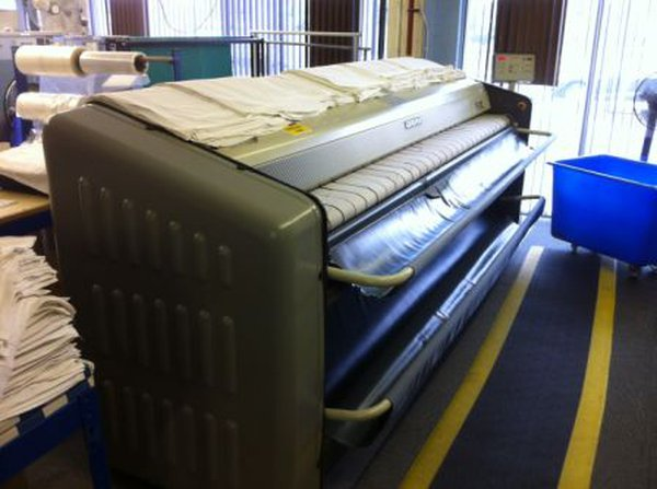 Girbau PS-5132 Gas Heated Dryer Ironer