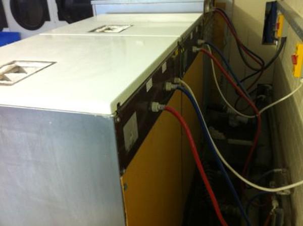 WE132 25/30lb IPSO Washing Machines