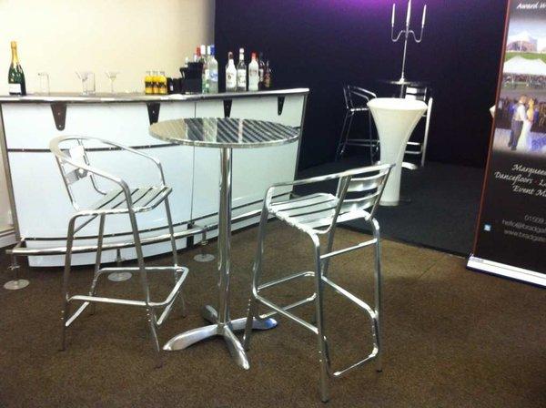 Aluminium poseur chairs