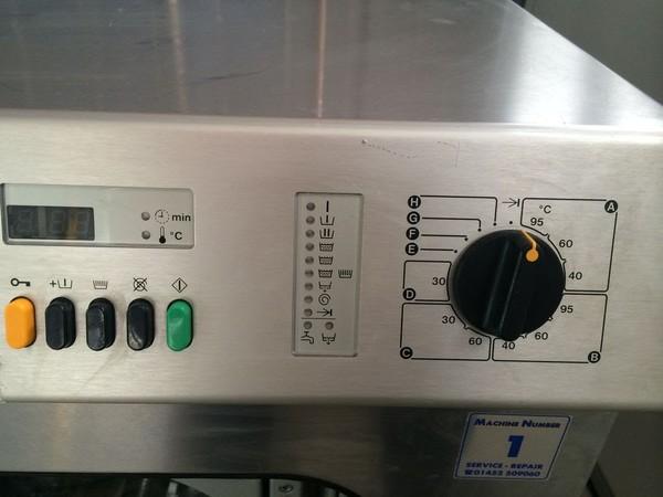 Miele W6073 Commercial 7.5KG Washing machine display