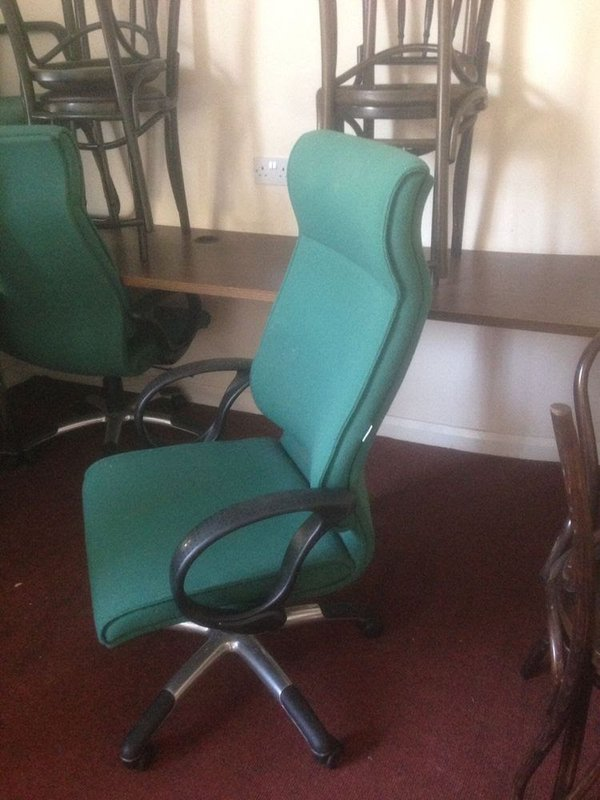 Swivel computer desk chairs