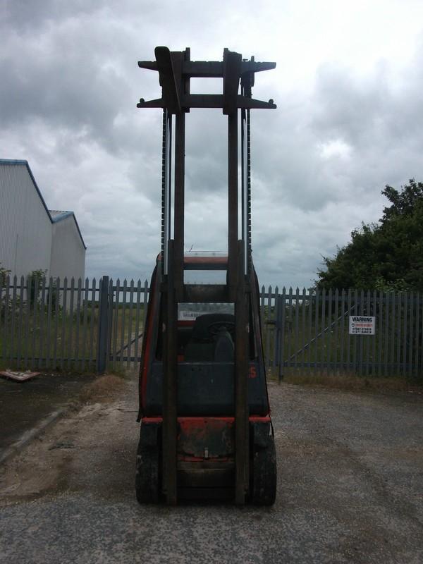 Selling Linde H25 Fork Lift