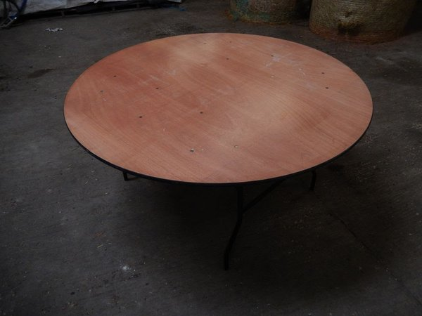 5' folding round tables