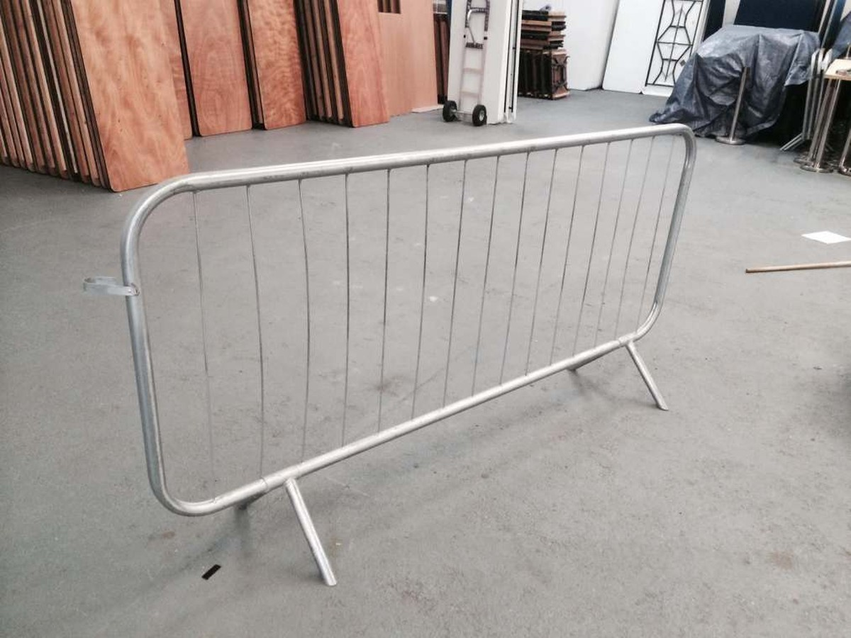 curlew secondhand marquees anything else 50x crowd control