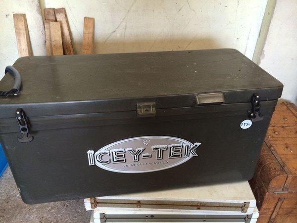 Icey-Tek cool box food transport