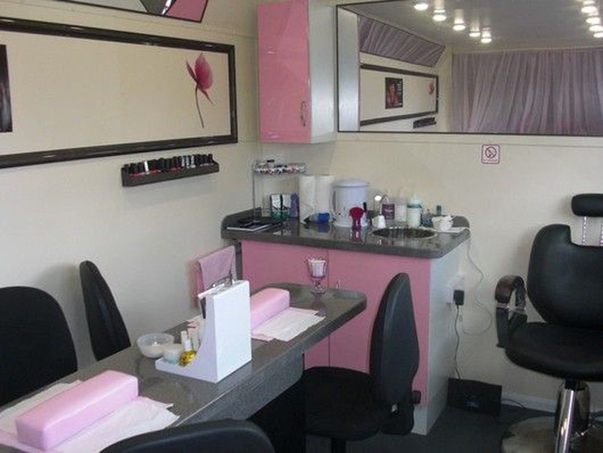 mobile-beauty-shop-for-sale-928.jpg