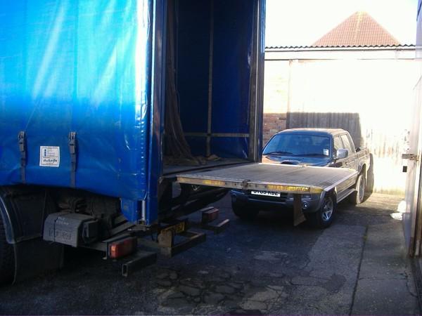 18 tonne curtainside lorry