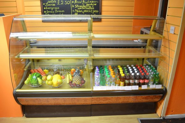 Oscar Tielle Pastiserie Cold Display