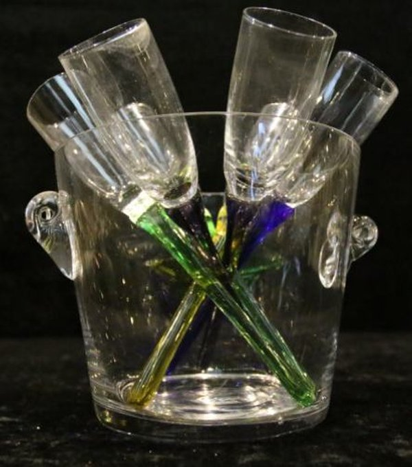 Small Glass Ice Buckets with stemless Champagne flutes