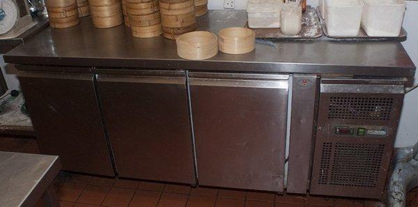 3 door fridge with worktop
