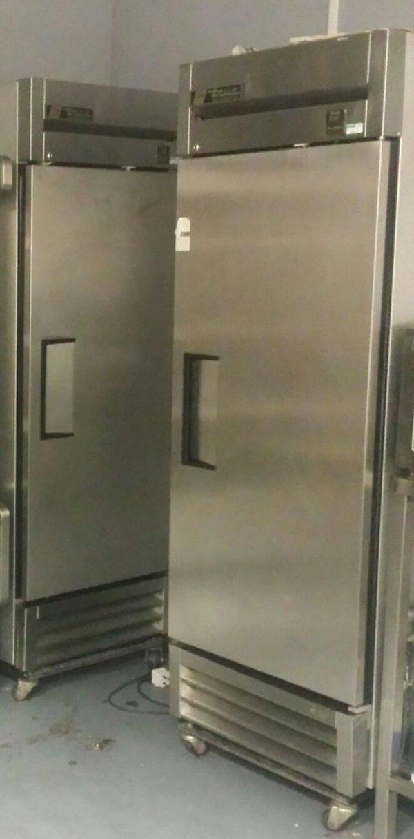 True upright refrigerator