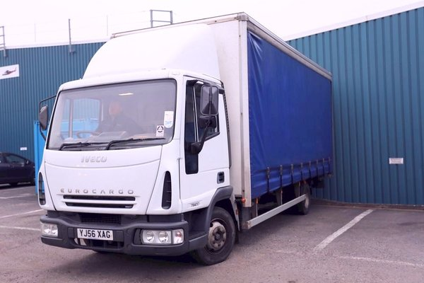 curtainsider 7.5T