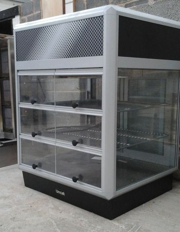 Counter top display chiller