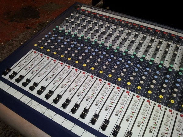Soundcraft GB2-32 Sound Desk