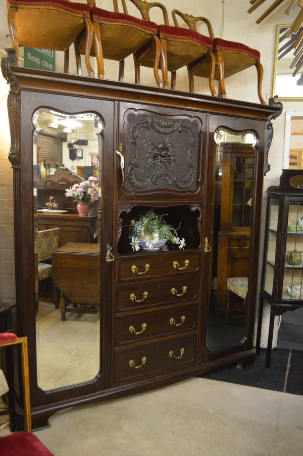 Late Victorian Fitted Robe with Drawers