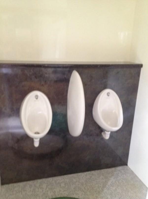 Jets Vacuum 250 Toilet Trailer urinals