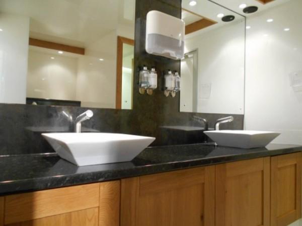 Jets Vacuum 250 Toilet Trailer wash area