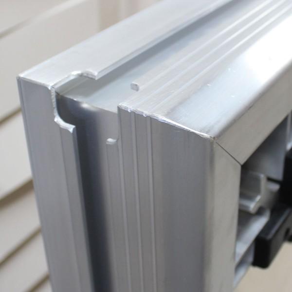 Aluminium stage deck corner detail