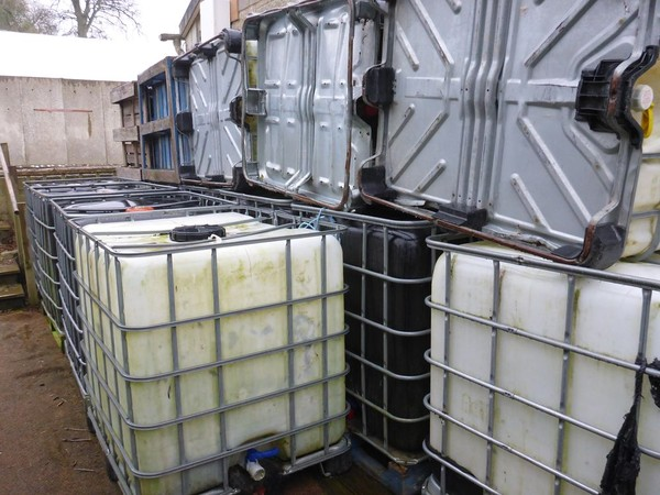 1000 ltr water containers
