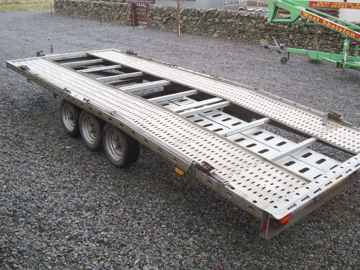 Secondhand Trailers | Car Transporters | Tri-Axle Car Trailer For ...