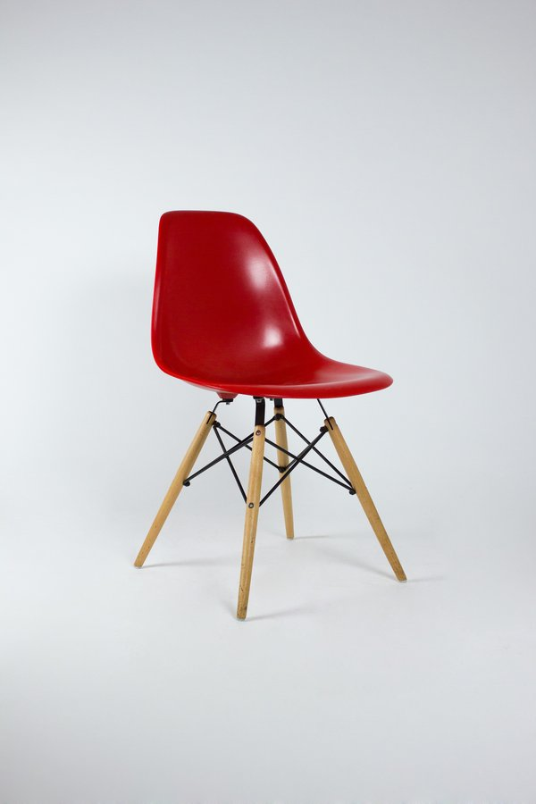Replica Eames Sidechairs