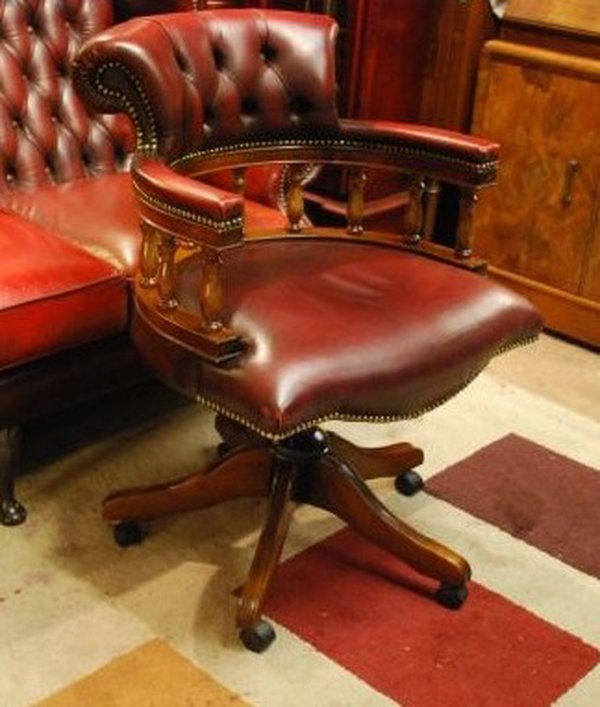 Mahogany Red Leather Chesterfield Office Captain Chair