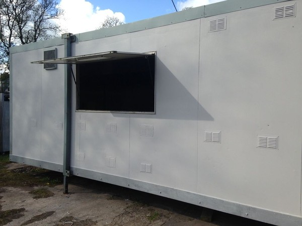 Portable Kitchen with serving hatch