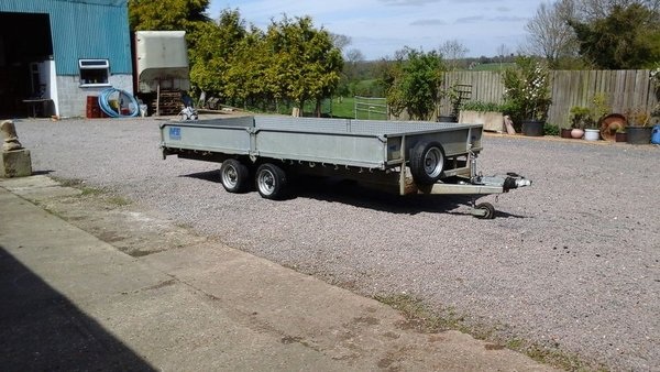 Meredith & Eyre 16ft Trailer