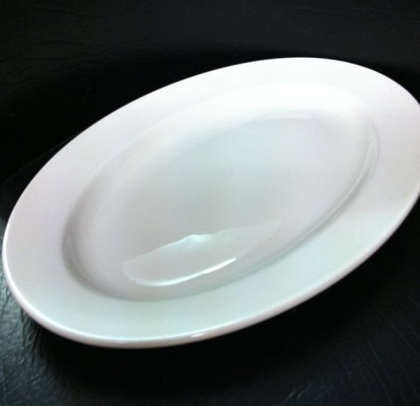 "100x Dudson New Slight Seconds - Oval Plate Heavy Duty Hotelware 15"" Wide Rim"