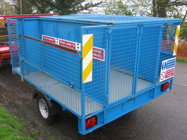 Caged side lockable trailer