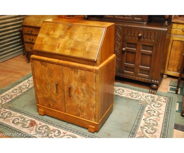 Beautiful Walnut Antique Bureau Writing Desk