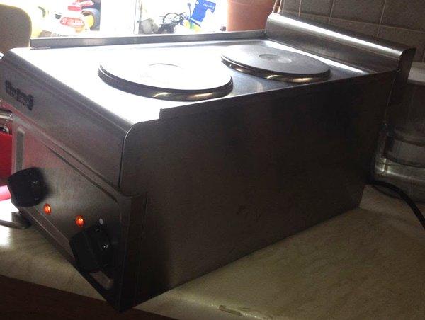 Lincat 2 Ring Electric Table Top Hob