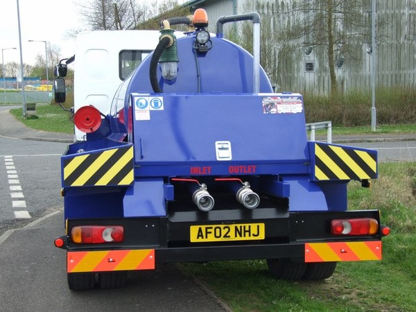 Buy Vacuum Tanker Gully Sucker Lorry