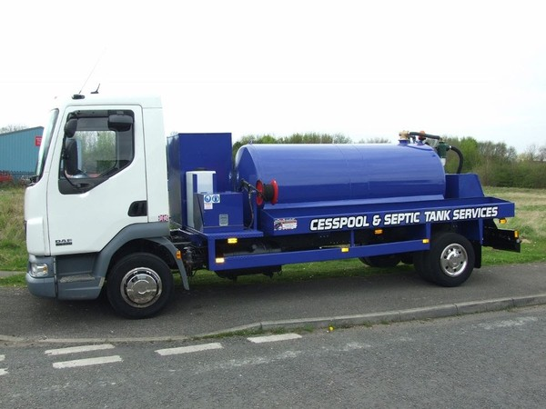 Vacuum Tanker Gully Sucker Lorry for sale