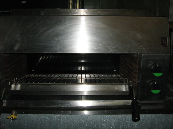 Falcon Chieftan Steakhouse Grill  G1528