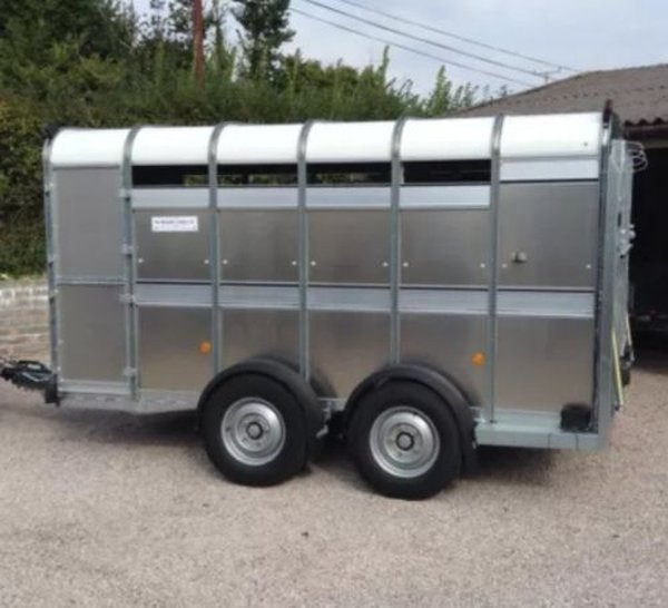 Ifor Williams TA510 - 12ft Twin Axle Alloy Livestock Trailer