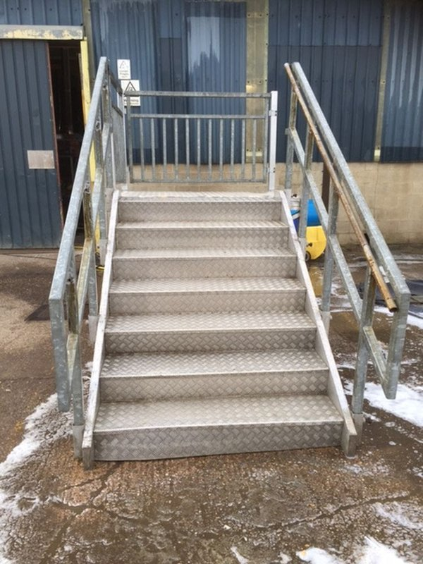 Aluminum Staircases and Platforms