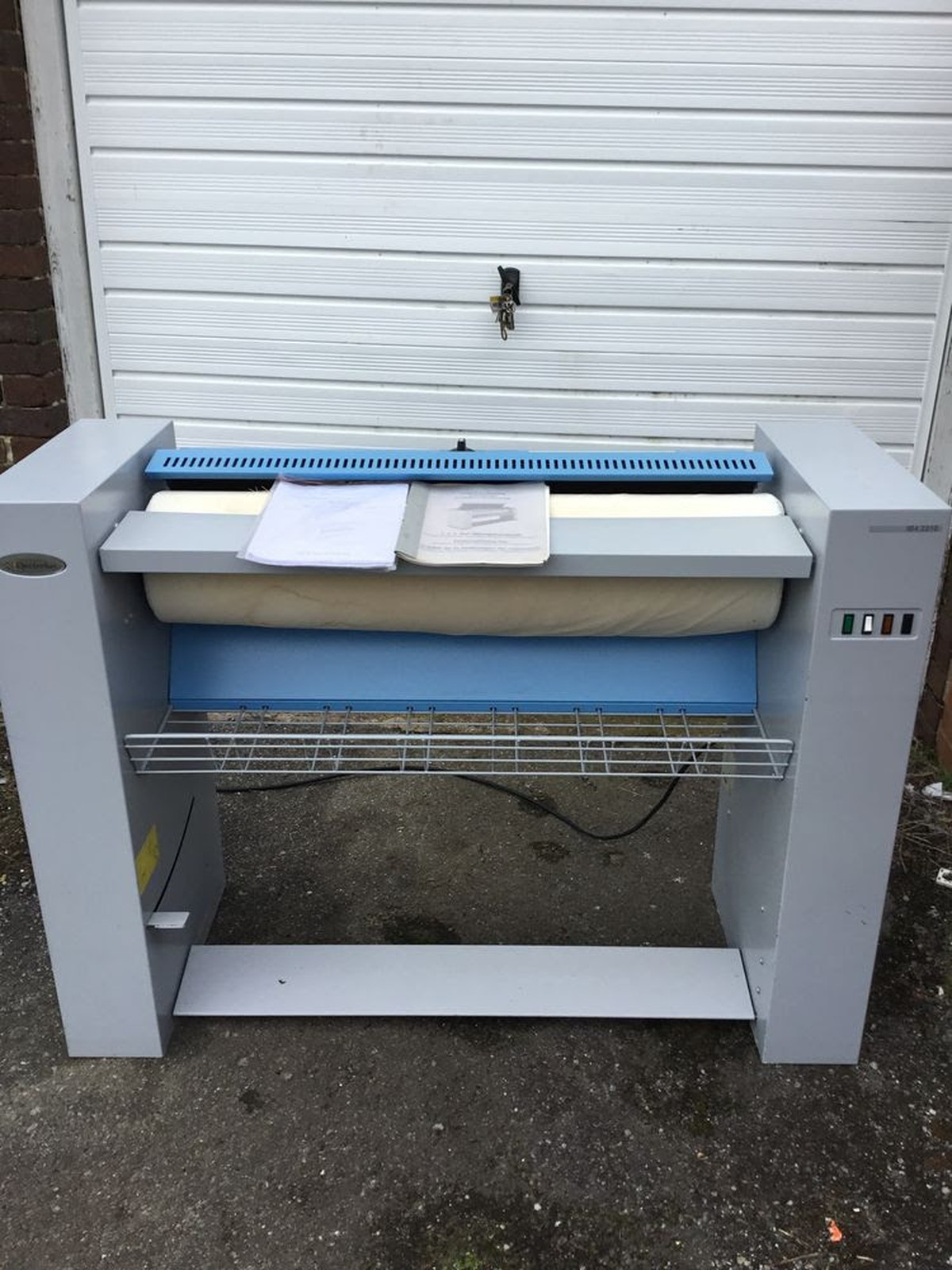 Secondhand Laundry Equipment Rotary Irons Electrolux