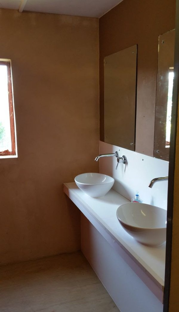 Toilet and shower block - Camp-site / Glamping
