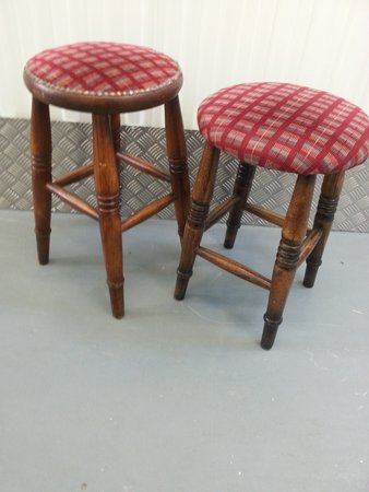 10x Low Pilgrim Bar Stools