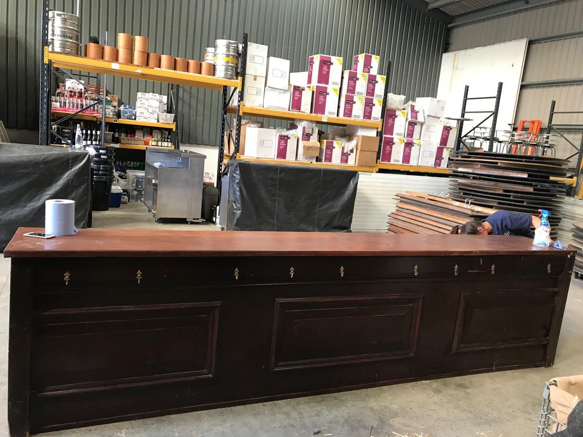 Secondhand Pub Equipment Bars 3 8m Mahogany Rustic