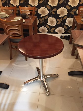 600 diameter table