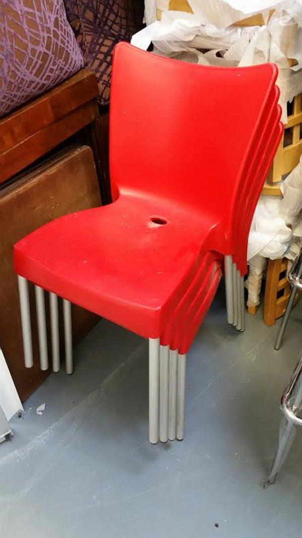 Aluminium stacking chairs