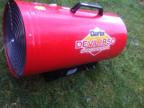 Clark Devil 1850 Space Heater 3