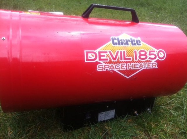 Clark Devil 1850 Space Heater 1
