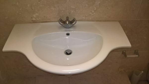 Complete Superior Bathroom Set Sink