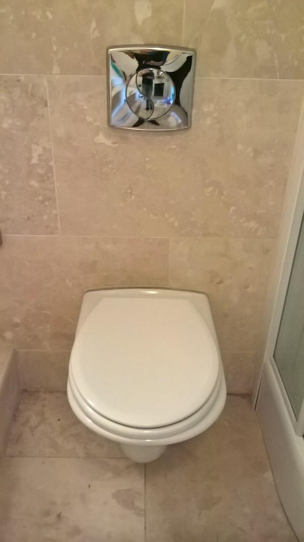 Complete Superior Bathroom Set Toilet