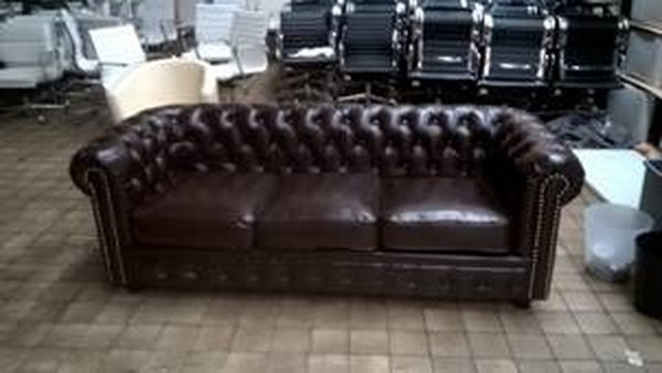 Reproduction chesterfield sofa