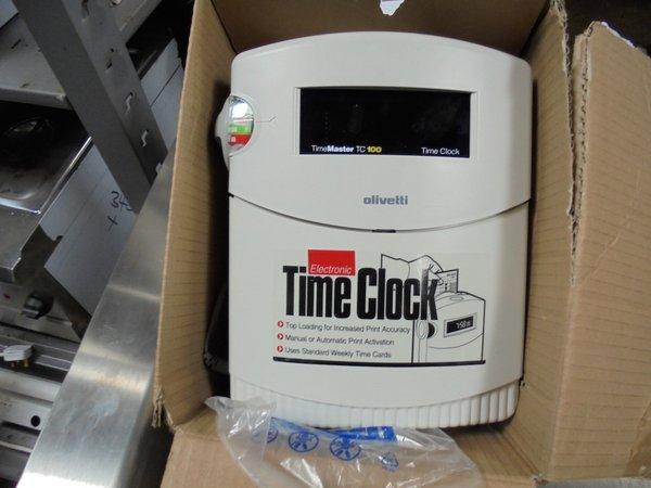 Olivetti Time Clock/ Clocking In Machine (3953)